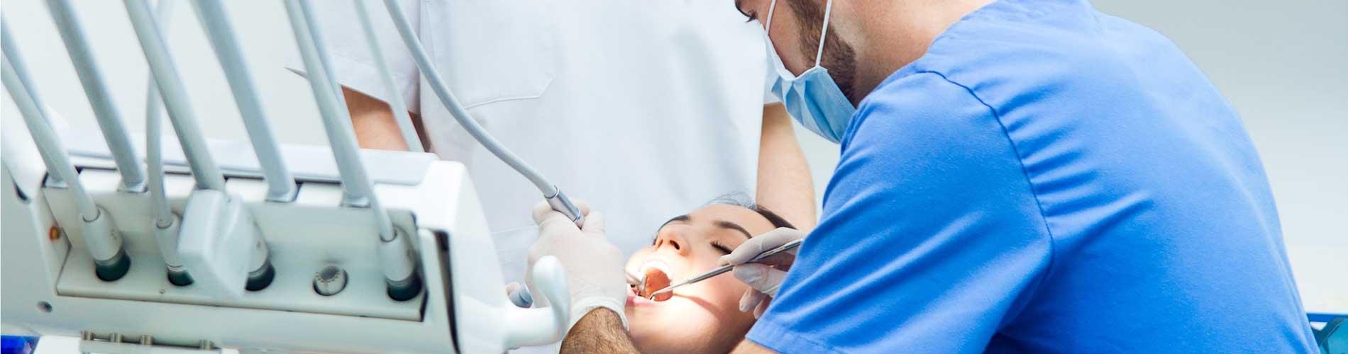 Как лечить зубы в разгар пандемии и можно ли заразиться в кабинете стоматолога